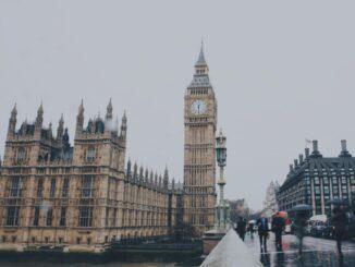 chuyển phát nhanh đi Anh